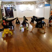 Corso di Break Dance al Dance Studio con Luca Led Miniati